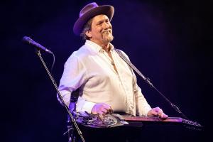 tommy-emmanuel-jerry-douglas-foto-concerto-bologna-08-11-2018-1