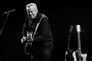 tommy-emmanuel-jerry-douglas-foto-concerto-bologna-08-11-2018-5